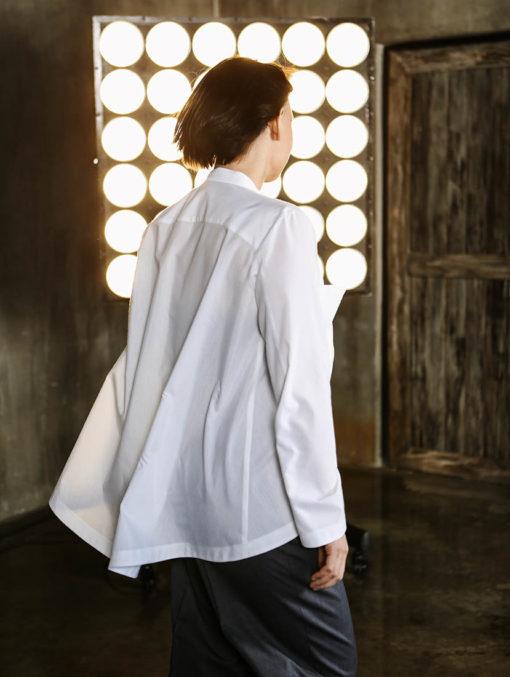 Белая рубашка с карманами вид2