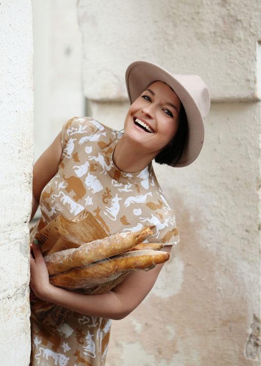 Песочное платье с принтом вид3