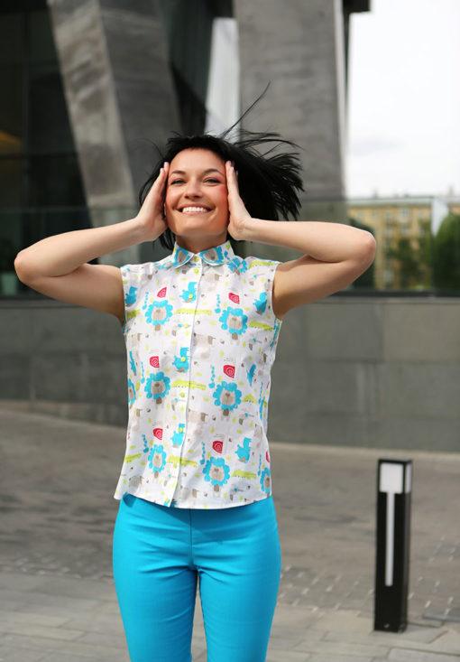 Рубашка с голубым принтом