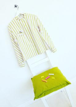 Светлая рубашка с полоской
