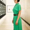 Зеленое графичное платье