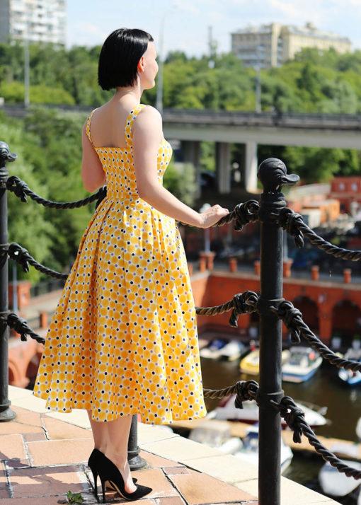 Желтое пышное платье вид2