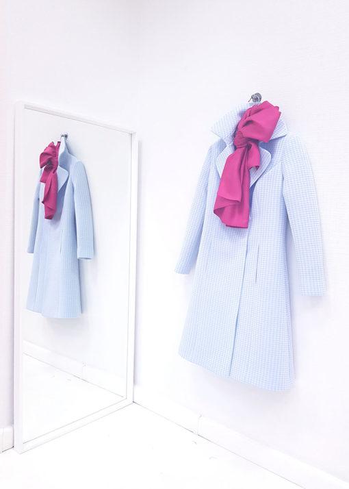 Нежно-синее пальто