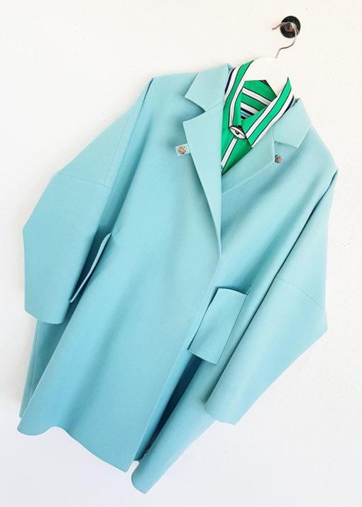 Голубое свободное пальто вид4