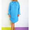 Голубое графичное платье-рубашка вид3